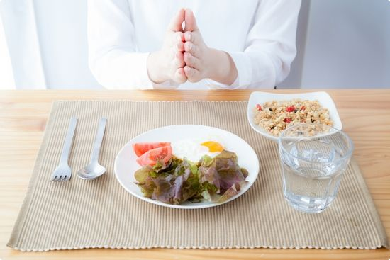 Mindful eating has numerous emotional and physical benefits, experts say